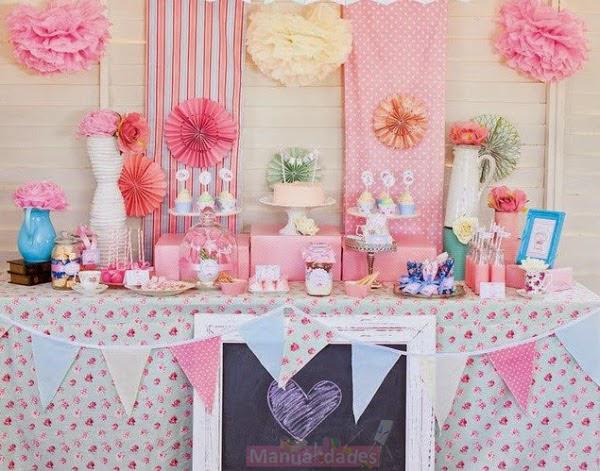 decoraciones de pompones de papel para fiesta